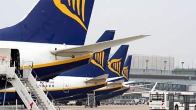 Европейский лоукостер отменил сотни рейсов