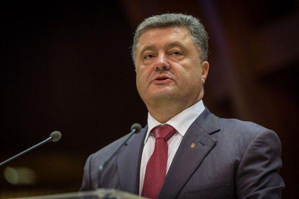 Порошенко обговорил с замом Помпео меры противодействия «Северному потоку-2»