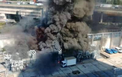 Пожар в пригороде Парижа: тысячи человек эвакуированы