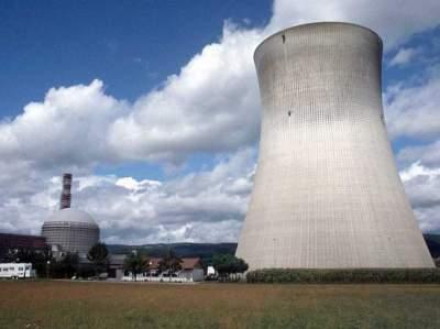 Во Франции из-за жары отключили два реактора АЭС