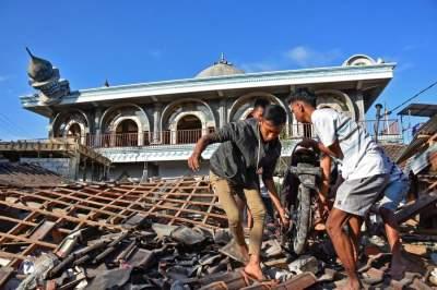 В Индонезии произошло новое мощное землетрясение