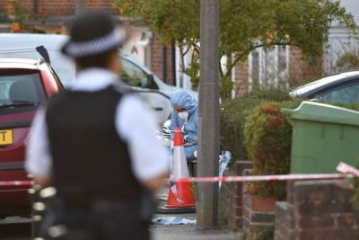 В Британии душевнобольной напал на женщин с молотком