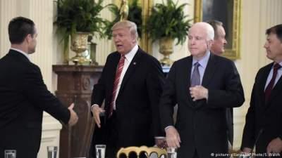 Трамп почтил память Маккейна