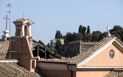 В Риме рухнула крыша церкви