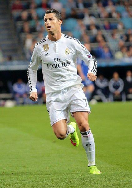 «Реал» в новом договоре увеличил зарплату Роналду до 32,5 млн евро