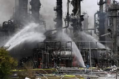 В Германии загорелся нефтеперерабатывающий завод