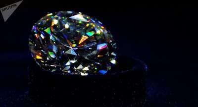 В Париже у российских туристов украли чемодан с бриллиантами