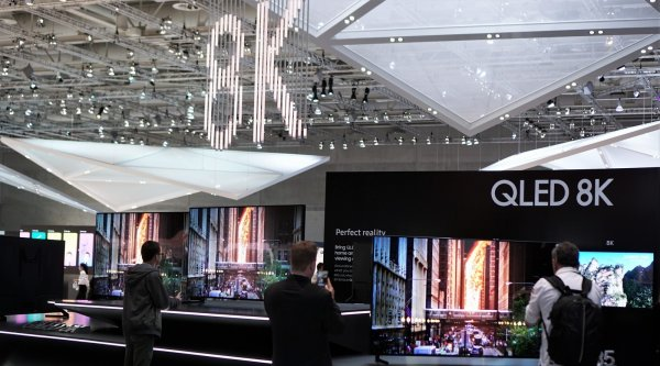Samsung показал 8K-телевизоры за миллион рублей, но без контента