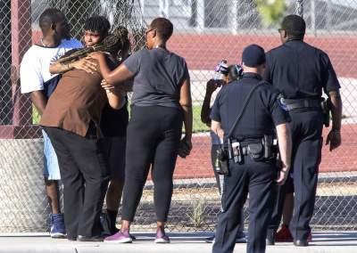 На школьном дворе в США застрелили человека