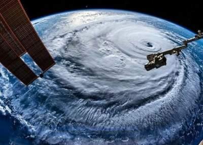 На Филиппинах разбушевался мощный тайфун