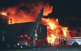 В Турции взорвалась и горит ТЭС