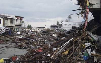 Мощное землетрясение в Индонезии вызвало цунами