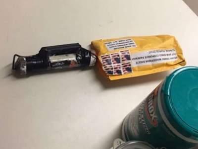 Полиция США показала фото бомб, разосланных по стране