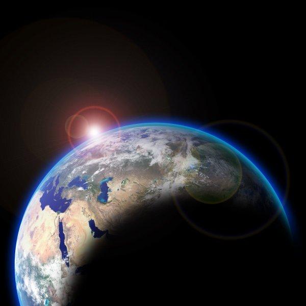 AliExpress запустила свой спутник и мини-космическую станцию на орбиту Земли