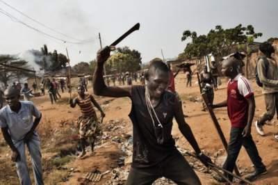 В Африке военные обстреляли митингующих мусульман