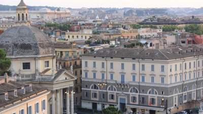 В Риме горит больница: более 400 эвакуированных