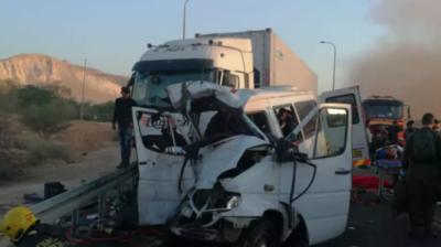 Смертельное ДТП в Израиле: грузовик столкнулся с микроавтобусом