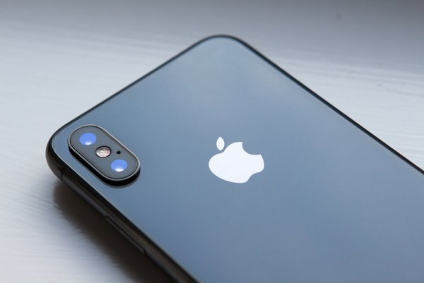 Apple признала наличие дефектов в iPhone X и MacBook Pro