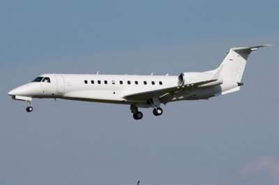 Российский самолет запросил экстренную посадку