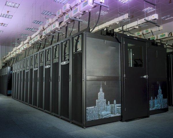 В России выпустят первый большой суперкомпьютер на «Эльбрусе»