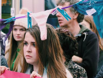 Жителей Ирландии возмутило оправдание насильника девочки-подростка