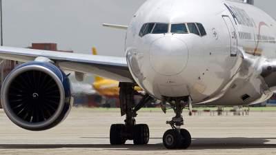 Пассажирский Boeing экстренно сел в Сингапуре из-за неисправности