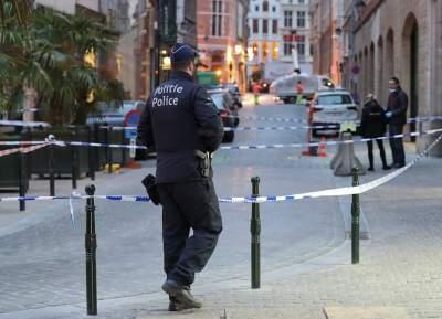В Брюсселе мужчина с ножом ранил полицейского