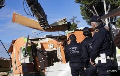 Римская полиция сносит виллы мафиози