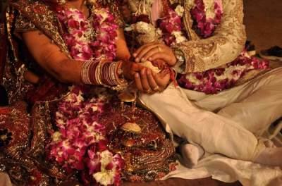 В Индии жених приехал на свадьбу с пулевым ранением