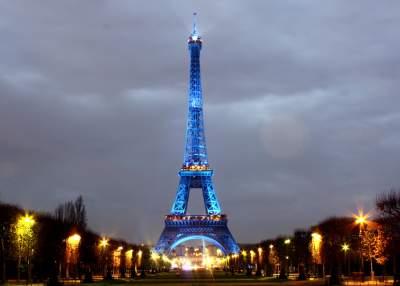 В Париже закрыли для посещений Эйфелеву башню