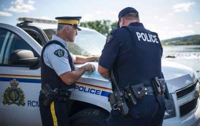 В Канаде неизвестные устроили стрельбу