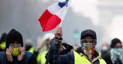 Во Франции увеличилось число погибших из-за протестов