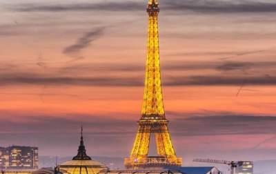 В Париже закроют для посещений Эйфелеву башню