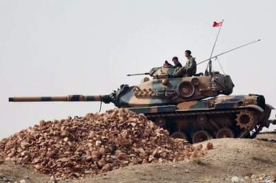 Турция отправила на границу с Сирией дополнительную технику