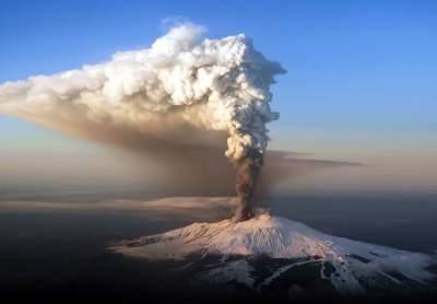 В Италии началось извержение вулкана