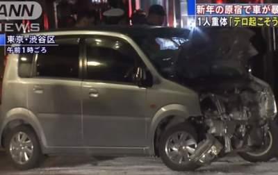 Давивший на автомобиле людей японец объяснил свой поступок