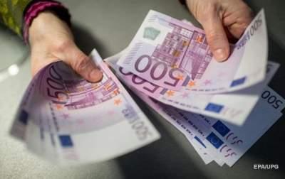 Россиянин предложил полицейскому в Латвии взятку в миллион евро