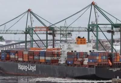 У берегов Канады горит 320-метровое судно