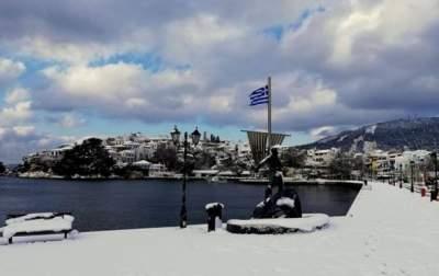 В Европе из-за сильных снегопадов погибли 12 человек