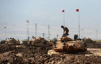 Турция подтянула танки к границе с Сирией