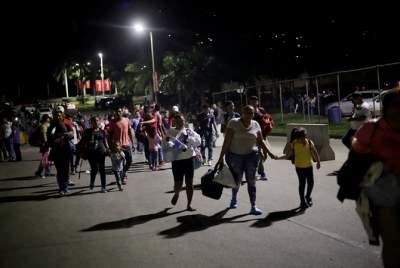 К границе США движется новая колонна мигрантов