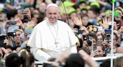 Папа Римский анонсировал сайт и приложение для молитв