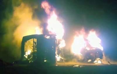 Столкновение автобуса с автоцистерной в Пакистане: погибли 27 человек