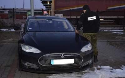 В Польше задержали украинца на угнанной Tesla