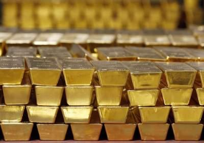 Мировые центробанки закупили рекордный за полвека объем золота