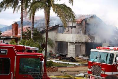 В США сообщили о новых жертвах падения самолета на жилой дом