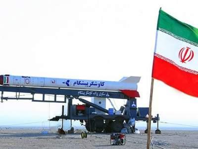 Иран продемонстрировал новую ракету дальнего действия
