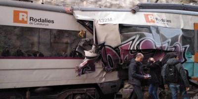 Масштабная авария в Испании: столкнулись два пассажирских поезда