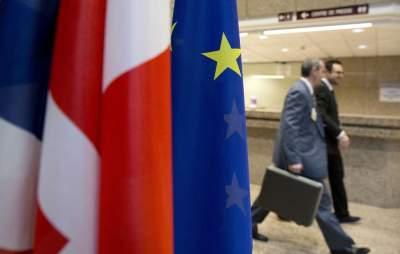 Европейских дипломатов предупредили о сотнях российских шпионов