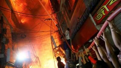 В столице Бангладеш при пожаре погибли более 80 человек